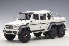1:18 MERCEDES BENZ G63 AMG 6X6 (MATT WHITE) 2013 (COMPOSITE MODEL/FULL OPENINGS)