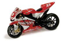 VÝPREDAJ - 1:24 YAMAHA YZR-M1 MELANDRI 2004 MOTO GP